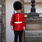 Buckingham-palace-guard-11279634947G5ru